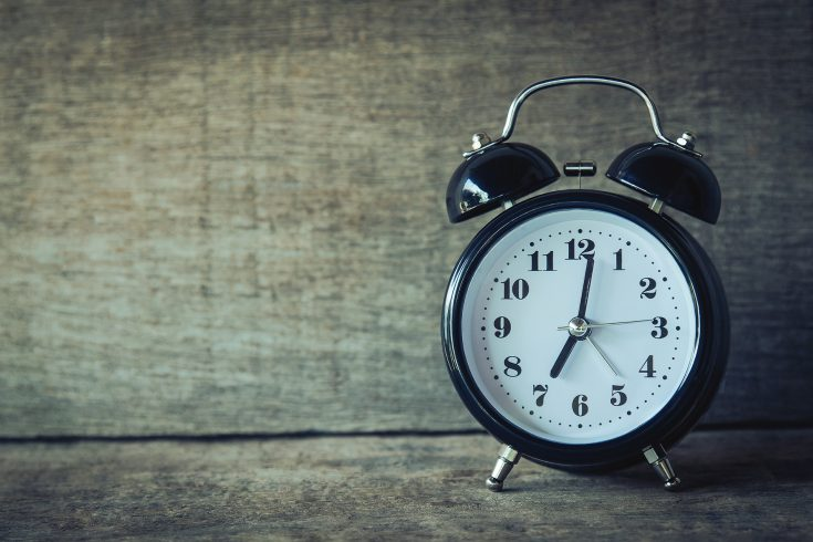 Uhr (Bildrechte: StockSnap/Aphiwat Chuangchoem)