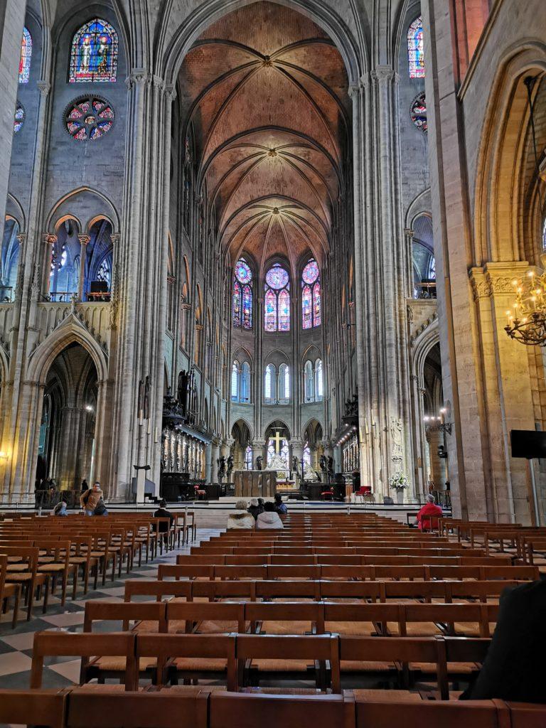 Das Innere von Notre Dame