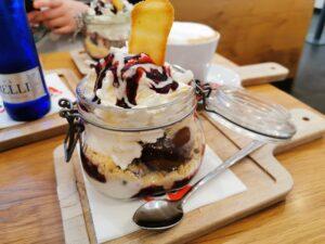 Käsekuchen-Eis bei Gelatoh Homburg